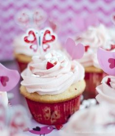 Surprise Inside Valentine Cupcakes