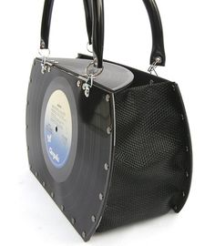 purse made from records Cd Crafts, Music Crafts, Music Decor, Vinyl Crafts, Vinyl Record Projects, Vinyl Record Art, Vinyl Records, Recycled Cds, Recycled Crafts