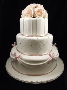 A beautiful wedding cake I'd love to make for somebody...