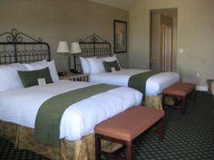 Double Queen Room At The Oregon Garden Resort