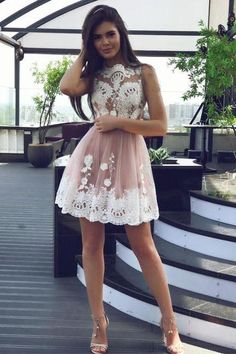 Princess Short Blush Pink Tulle Homecoming Dress with White Lace Appliques
