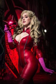 Cosplayer: Reagan Kathryn. Country: United States. Cosplay: Ann Takamaki from Persona 5. https://www.facebook.com/reagan.kathryn/ @reagankathryn