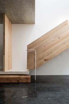 Exterior Handrail, Staircase Handrail, Stair Railing, Staircase Design, Grand Staircase, Stair Design, Railings, Architecture Details, Interior Architecture