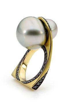 Jewellers Association of Australia Awards 2012. Thomas Meihofer Jewellery Design - Winner of Pearl Design Award 2012