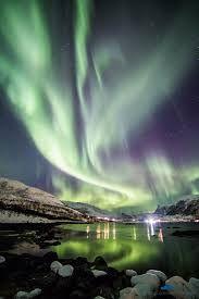 Risultati immagini per aurora boreale in Russia
