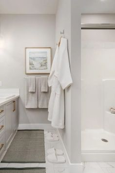 Can we talk about this bathroom? Who wouldn't want to hang their robe here? Visit ExcelHomes.ca today to virtually tour this gorgeous space. #CalgaryHomeBuilder #AlbertaRealEstate #ExcelHomes #3BedroomHome #BathroomDesign 3 Bedroom Home Floor Plans, House Floor Plans, Basement Insulation, Windsor Homes, Flex Room, Island With Seating, Open Concept Kitchen, Luxury Vinyl Plank, Large Homes
