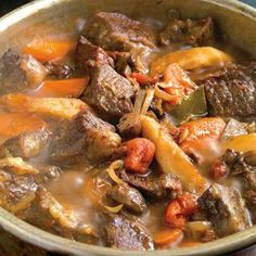 Braised Beef Stew ~ Boneless short ribs stay nice and moist in a long-simmered dish like this one. Sop up the juices of this hearty, delicious stew with thick slices of crusty bread. Boneless Short Ribs, Braised Short Ribs, Braised Beef, Lchf, Keto, Beef Recipes, Soup Recipes, Cooking Recipes, Recipies
