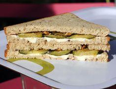 sandwich chèvre courgettes Sandwiches, Lunch, Fresh, Healthy, Food, Gourmet, Zucchini, Eat Lunch, Essen