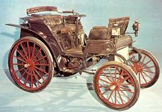 Rene Panhard and Emile Levassor built their first car in 1890 using a Daimler… – En Güncel Araba Resimleri Car Images, Car Photos, Images Photos, Truck Wheels, Sweet Cars, Motor Car, Motor Vehicle, First Car, Vintage Trucks