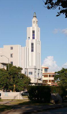 Art Deco architecture, Havana Cuba,  Arquitecto Dr. Ramón Busto Monzón, esquina de G y Tercera, Verdado, Habana