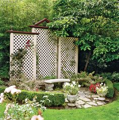 A trellis fence or screen is the perfect way to turn your backyard into a private escape. Whether wood or metal, a garden trellis creates the perfect backdrop for outdoor living spaces. Browse these trellis plans to find beautiful design and DIY ideas. Backyard Privacy Screen, Backyard Pergola, Backyard Landscaping, Pergola Shade, Outdoor Privacy, Pergola Roof, Metal Pergola, Backyard Ideas, Privacy Hedge