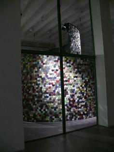 Vertigo. Let the surfaces play    Installazione Skema alla Triennale di Milano, Spazio Material ConneXion, 2012