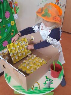 Bee Activities, Preschool Activities, Draw A Hexagon, Art For Kids, Crafts For Kids, Preschool Garden, Spring Art Projects, Preschool Centers, Dramatic Play Centers