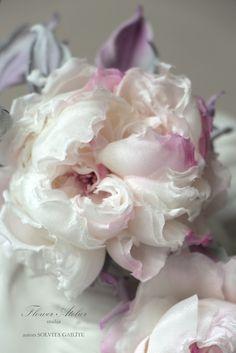 Fantastic silk flower Fiori Fatti A Mano df40845e97f9