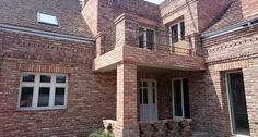 Udvari homlokzat Mansions, House Styles, Home Decor, Decoration Home, Manor Houses, Room Decor, Villas, Mansion, Home Interior Design