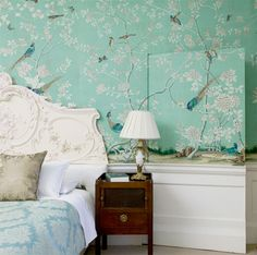 Slightly obsessed with chinoserie wallpaper! Love this teal design.
