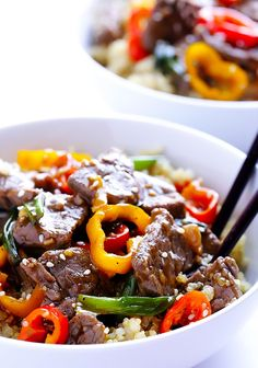 Easy Pepper Steak by Gimme Some Oven. This easy pepper steak recipe can be made in 30 minutes. It is super easy to cook, and features those classic Chinese pepper steak flavors we all love! Healthy Dinners For Two, Easy Meals, Steak Recipes, Cooking Recipes, Asian Recipes, Healthy Recipes, Chinese Recipes, Delicious Recipes, Easy Recipes