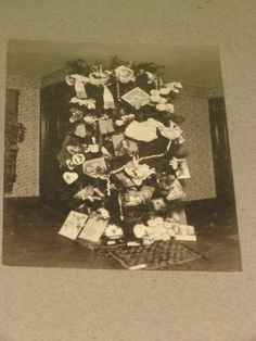 XL Cabinet Photo Victorian Christmas Tree in Victorian Home Eaton 1900 01 | eBay