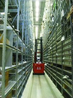 Narrow Aisle Racking - Warehouse racking www.betterack.com