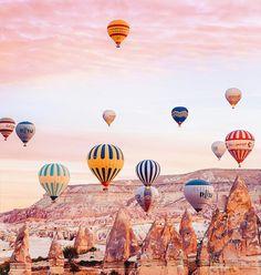 Elle réalise de sublimes photographies de la Cappadoce, le paradis des montgolfières !