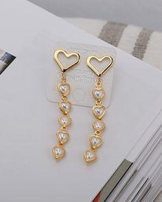 Jewelry Tattoo, Ear Jewelry, Girls Jewelry, Cute Jewelry, Jewlery, Jewelry Accessories, Jewelry Design, Korean Jewelry, Crazy Outfits