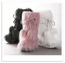 fluffy boots.. I have a little obsession in wanting a pair