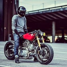 Sweet Yamaha Virago Cafe Racer / Brat by Peters Dog Cycles Virago Cafe Racer, Yamaha Cafe Racer, Yamaha Virago, Cafe Bike, Cafe Racer Motorcycle, Moto Bike, Motorcycle Design, Motorcycle Style, Ducati