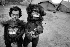 Enanos disfrazados de monos ,1989