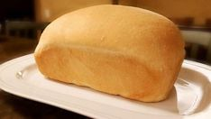 Homemade Sandwich Bread Recipe- make bread at home for pennies a loaf! 5 ingredi… Homemade Sandwich Bread Recipe – Prepare bread for pennies at home! Only 5 ingredients. Real Food Recipes, Chicken Recipes, Recipe Chicken, Dessert Recipes, Cooking Recipes, Yummy Food, Desserts, Food Tips, Food Food