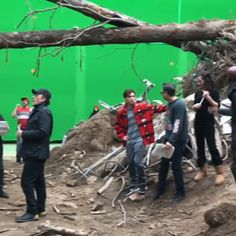 All Of The Avengers End Game Behind The Scenes Pictures And Videos Marvel Avengers, Avengers Cast, Marvel Jokes, Avengers Memes, Marvel Funny, Marvel Heroes, Chris Evans, Tom Holland, Films Marvel