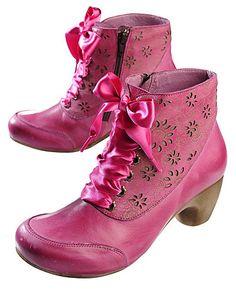Deerberg Stiefeletten Josi, magenta - Stiefeletten - Deerberg Quirky Shoes, Steampunk Boots, She Walks In Beauty, All Fashion, Vintage Fashion, Shoe Boots, Shoe Bag, Pumps, Shoe Closet