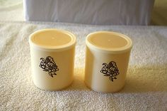 VTG TWIN SMALL ALMOND HARD PLASTIC CONTAINERS  WITH TIGHT LIDS i