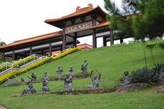 Entrada-Templo-Zu-Lai.jpg (3456×2304)