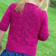 Ravelry: Berry Season Cardigan pattern by Heidi Atwood-Reeves Knitting For Kids, Knitting Projects, Baby Knitting, Knitted Baby, Knitting Patterns Free, Knit Patterns, Cardigan Pattern, Sweater Cardigan, Knit Crochet