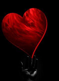 La passione ci consacra alla sofferenza, giacché, in fondo, essa è la ricerca di un impossibile. (Georges Bataille)