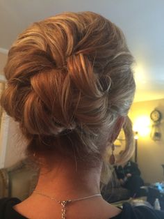 Great up do for medium length.   Just loved it.