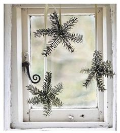 10 Simple DIY Christmas Decorations Made From Nature! (my scandinavian home) - Jochen Heinrich - 10 Simple DIY Christmas Decorations Made From Nature! (my scandinavian home) 10 Simple DIY Christmas Decorations Made From Nature! Natural Christmas, Noel Christmas, Country Christmas, Simple Christmas, Winter Christmas, Vintage Christmas, Christmas Crafts, Christmas Decorations, Holiday Decor