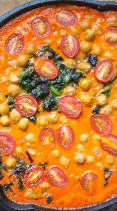 Geröstete Paprika, Kichererbsen und Spinat Curry -