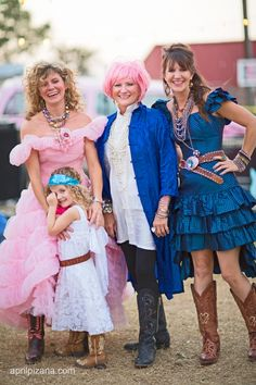 The Junk Gypsies .. amie, Janie and Jolie sikes with indie, amie's daughter. JUNKORAMA prom ... Photography by April Pizana