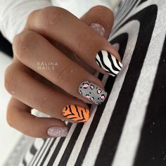 The best mix of nail colors, all you want is here - Page 12 of 154 - Inspiration Diary Chic Nails, Stylish Nails, Trendy Nails, Minimalist Nails, Sparkly Nails, Fire Nails, Dream Nails, Nagel Gel, Perfect Nails