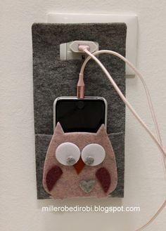 Ciao a tutte. Il post di oggi è tutto dedicato a questi simpatici gufetti in versione custodia porta cellulare da ricarica e porta cellular...