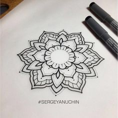 Mandala, this would be beautiful on the elbow if i ever get Mandala Tattoo Design, Simple Mandala Tattoo, Dotwork Tattoo Mandala, Tatoo Henna, Tatoo Art, Henna Tattoo Designs, Mandala Drawing, Body Art Tattoos, Tattoo Drawings