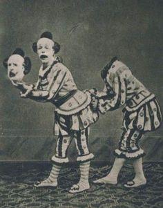 不気味なピエロが流行しているけど、昔のピエロもかなり不気味だったことがわかる24枚の古写真