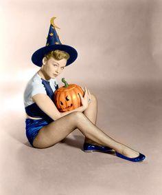 Happy Halloween!Pin up