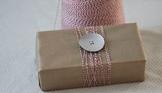 3 Chic and Cheap Gift Wrapping Ideas