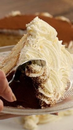 Gâteau tiramisu - Bakery and sweets - Gateau Easy Cake Recipes, Cookie Recipes, Dessert Recipes, Desserts For A Crowd, Easy Desserts, Italian Desserts, Tasty Videos, Food Videos, Tortas Deli