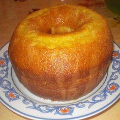 IngredientesMassa:3 ovosSuco de 2 laranjas1 xícara (chá) de óleo2 xícaras (chá) de açúcar3 xícaras (chá) de farinha de trigo1 colher