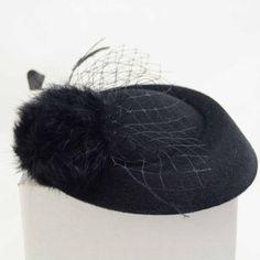 Tear Drop Fascinator Hat Black Retro Vintage Feather Races in Одежда, обувь и аксессуары, Аксессуары для женщин, Украшения для волос и головные уборы   eBay