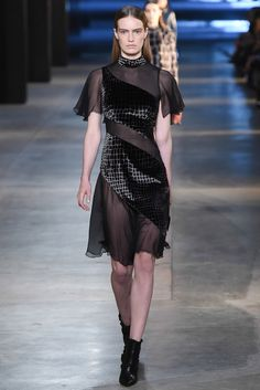 Christopher Kane | Fall 2015 Ready-to-Wear Collection | Style.com