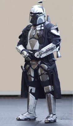 Mandalore the Uniter, leader of the Mandalorian Mercs Costume Club Mandalorian Costume, Mandalorian Armor, Gi Joe, Star Wars Bounty Hunter, Star Wars Images, Star Wars Rpg, Star Wars Costumes, Steampunk, Star Wars Characters